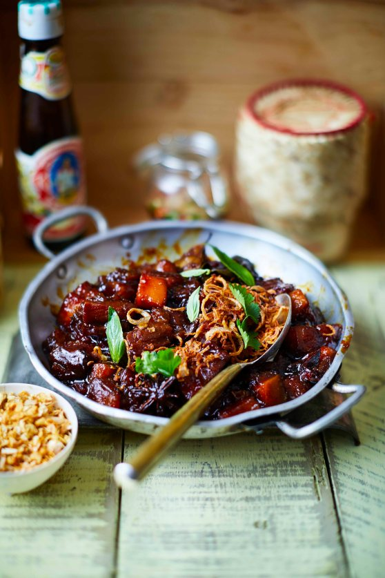 TR_STICKY_PORK_BELLY_WITH_SALTED_ROAST_PUMKIN_AND_CRISPY_SHALLOTS_1185